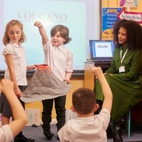 4 es una forma fácil de impulsar el aprendizaje basado en proyectos con tecnología.