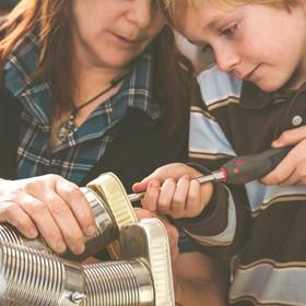 Actividades del fabricante de 4 para mantener a los estudiantes jugando