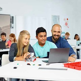 Uncommon core: Refinando prácticas clave a través de STEM