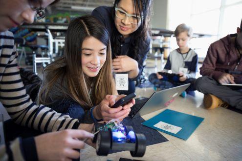 Students work on robotics project